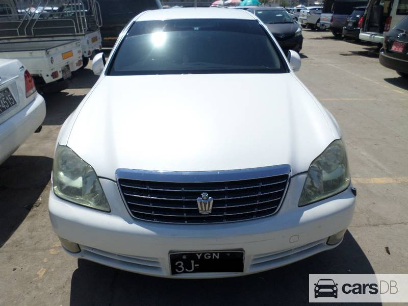 Toyota Crown Royal Saloon 2004
