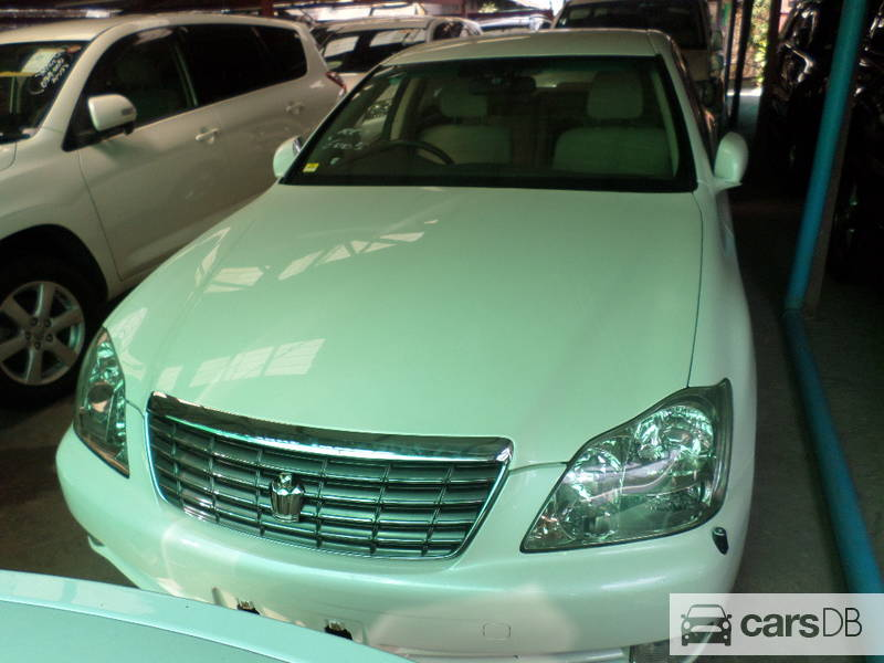 Toyota Crown Royal Saloon 2006