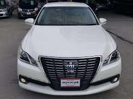 Toyota Crown Royal Saloon 2013